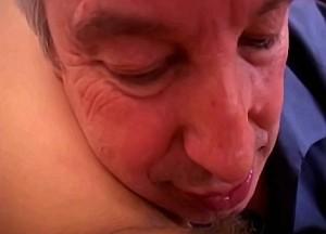 Vader en moeder en dochter incest sexfilm