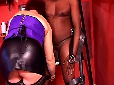 Zwarte slaaf in het schandblok